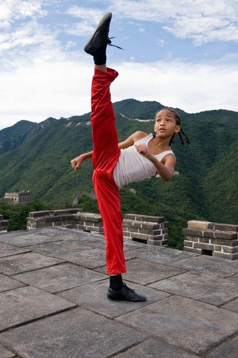 Die Schule in Peking entwickelt sich für den zwölfjährigen Dre (Jaden Smith) zur reinen Hölle, weil ihm der Kung-Fu-versierte tyrannische Raufbold C... - Bildquelle: 2010 CPT Holdings, Inc. All Rights Reserved.