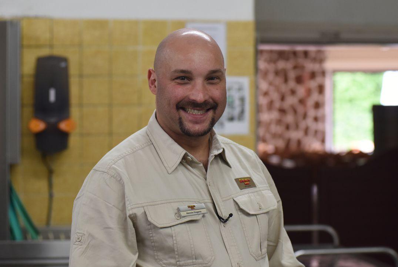Kann Alessio Dogana einen guten Eindruck bei der Belegschaft hinterlassen und somit seine Chancen auf den Job im Serengeti Park steigern? - Bildquelle: Marion von der Mehden kabel eins