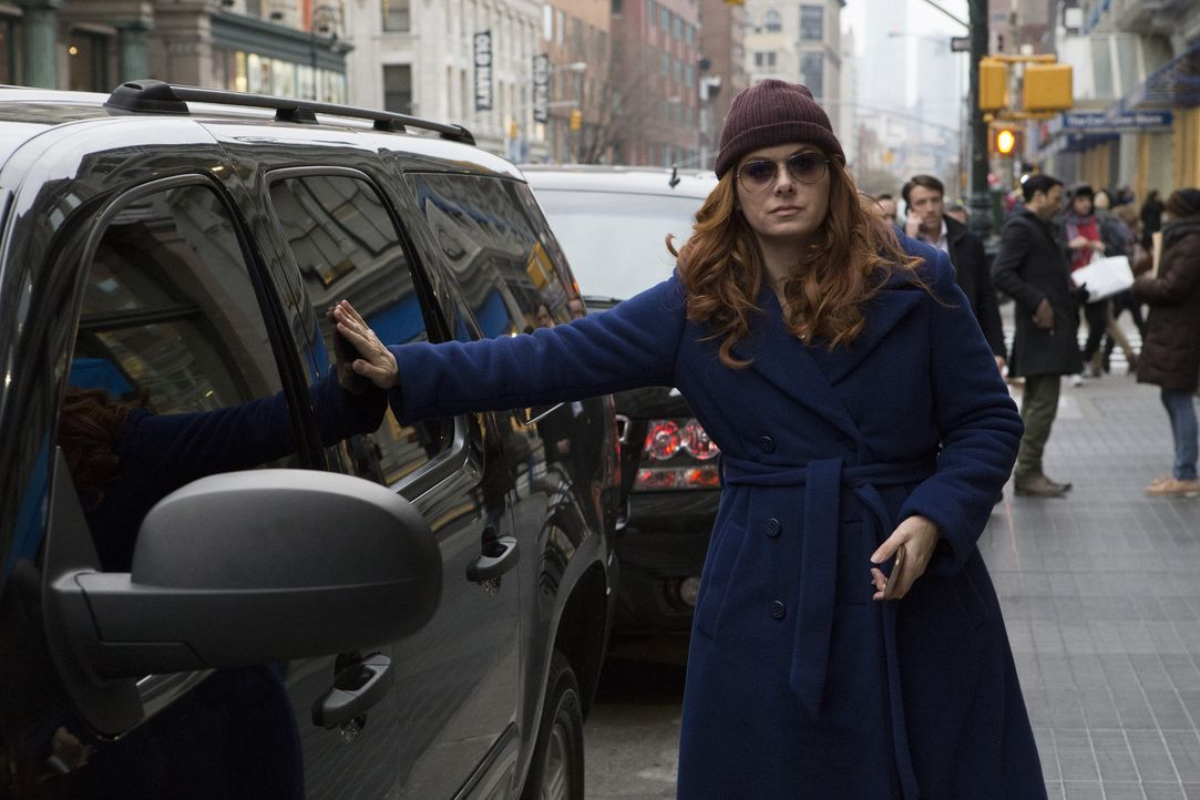 Ein neuer Fall wartet auf Laura (Debra Messing) ... - Bildquelle: 2016 Warner Bros. Entertainment, Inc.