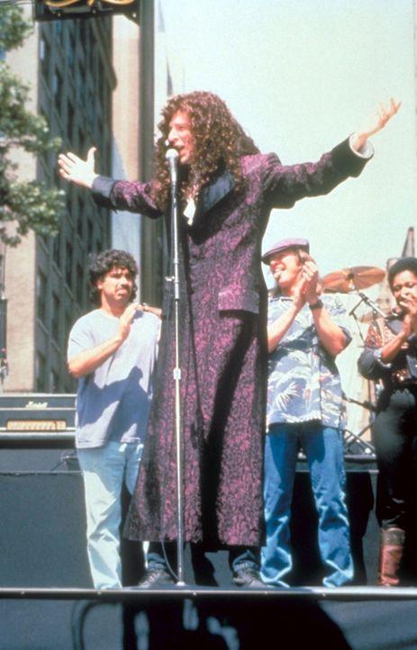 Die Amerikaner liegen ihrem Idol Howard Stern (Foto, vorne) zu Füßen ...