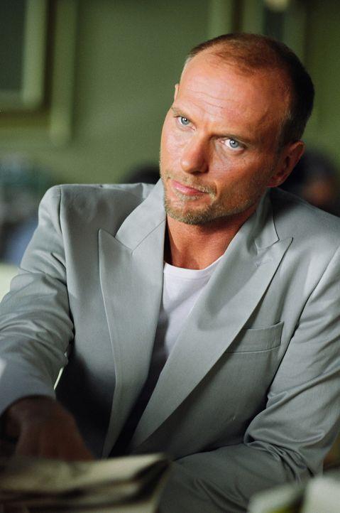 Waffenschieber Kane (Luke Goss) ahnt nicht, dass sein potentieller Käufer ein völlig überforderter Strohmann ist ... - Bildquelle: 2005 Warner Brothers