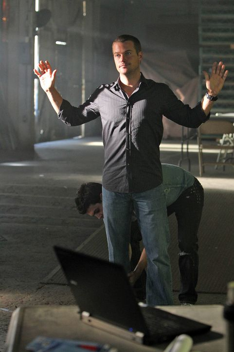 Bei den Ermittlungen in einem neuen Fall, gerät Callen (Chris O'Donnell) selbst in Gefahr ... - Bildquelle: CBS Studios Inc. All Rights Reserved.
