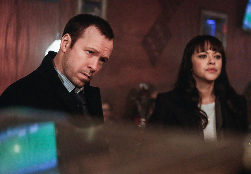 Schaffen es Danny (Donnie Wahlberg, l.) und Maria (Marisa Ramirez, r.) Fortschritte bei ihren Ermittlungen zu machen, obwohl ein Großteil aus ihrem... - Bildquelle: Craig Blankenhorn 2013 CBS Broadcasting Inc. All Rights Reserved.