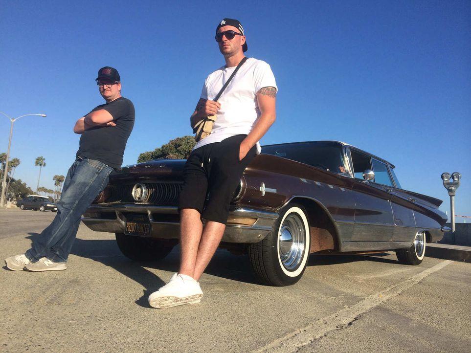 Im Land der unbegrenzten Möglichkeiten möchten sich Sasa (r.) und Norman (l.) ihren großen Traum erfüllen: Auto-Exporteure für Oldtimer in Los Angel... - Bildquelle: kabel eins
