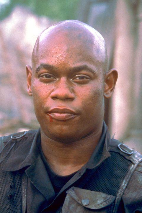 Den verurteilten Mörder Cole (Bokeem Woodbine) holt man aus dem Todestrakt, damit er sein Leben auf einer Selbstmordmission riskieren kann ... - Bildquelle: Columbia Pictures Corporation