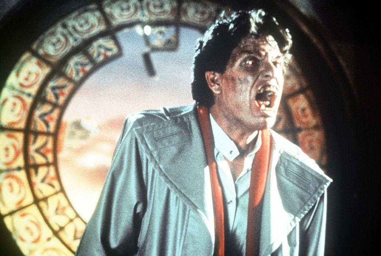 Der charmante Junge aus der Nachbarschaft Jerry Dandridge (Chris Sarandon) zeigt sein wahres Gesicht ... - Bildquelle: Columbia Pictures