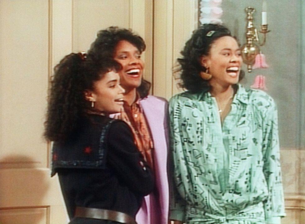 Gute Stimmung herrscht bei Denise (Lisa Bonet, l.), Clair (Phylicia Rashad, M.) und Veronica (Lela Rochon, r.). - Bildquelle: Viacom