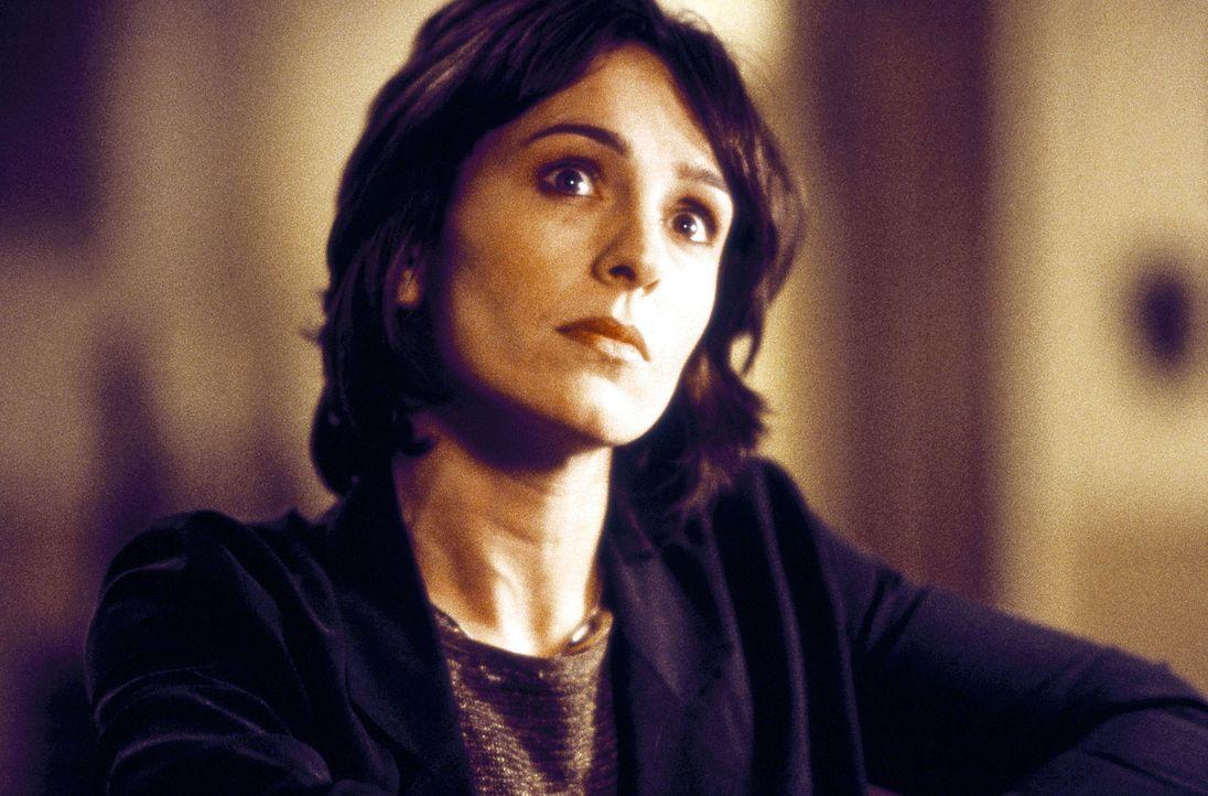 Karen (Juliet Aubrey) macht sich auf die Suche nach den alten Bandkollegen ... - Bildquelle: Columbia Pictures