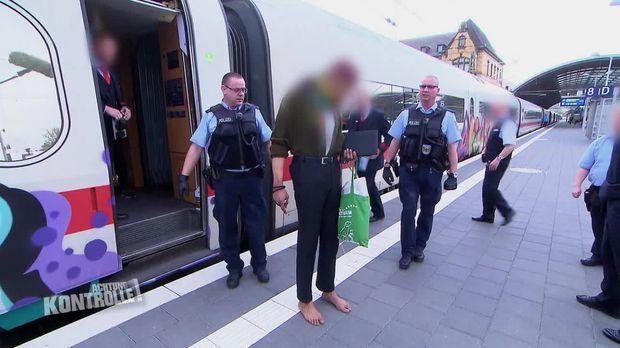 Achtung Kontrolle - Achtung Kontrolle! - Thema U.a: Bundespolizei Verhaftet Randalierer