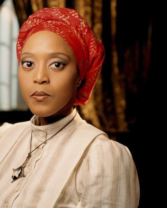 Die Haushälterin Sukeena (Tsidii LeLoka) ahnt, dass auf dem Familiengut Rose Red nicht alles mit rechten Dingen zugeht ... - Bildquelle: American Broadcasting Company (ABC)