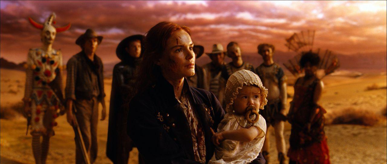 Die mutige und im Kampf versierte Lynne (Kate Bosworth) hat mit dem hinterhältigen Colonel noch ein Hühnchen zu rupfen. Eines Tages entbrennt zwisch... - Bildquelle: 2010 Laundry Warrior Ltd. All Rights Reserved.