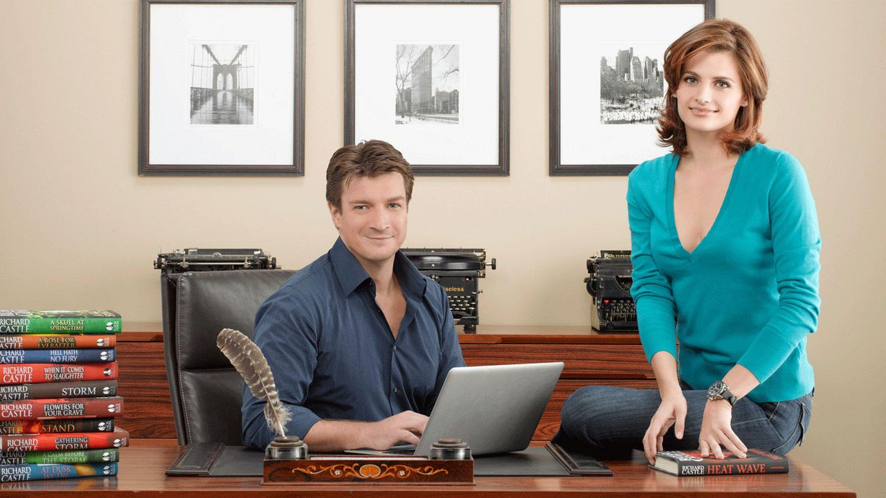 Nathan Fillion ist Richard Castle - Stana Katic ist Kate Beckett - Bildquelle: abc