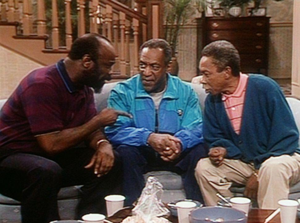 Cliff (Bill Cosby, M.) muss sich von seinen beiden cricketbegeisterten Freunden Harmon und Jam einen Vortrag über die Schönheit ihres Lieblingsspo... - Bildquelle: Viacom