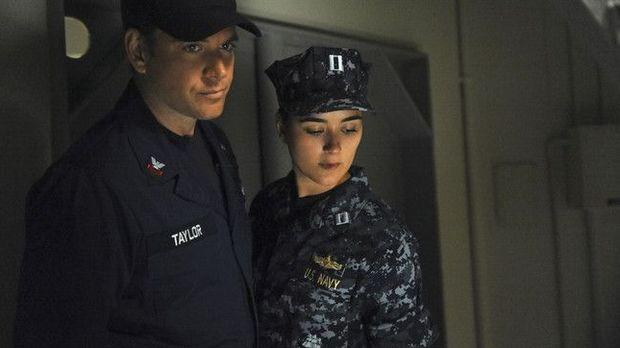 Navy Cis - Navy Cis - Staffel 9 Episode 22: Auftrag In Neapel