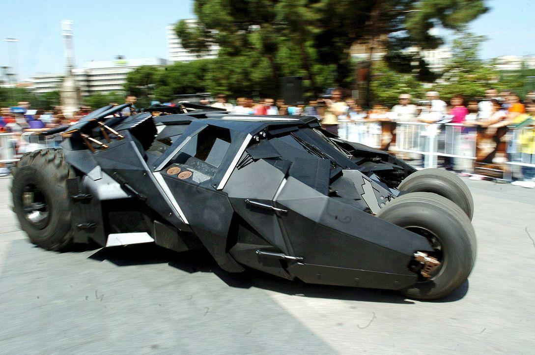 Batmobil-Batman-Begins-dpa - Bildquelle: dpa